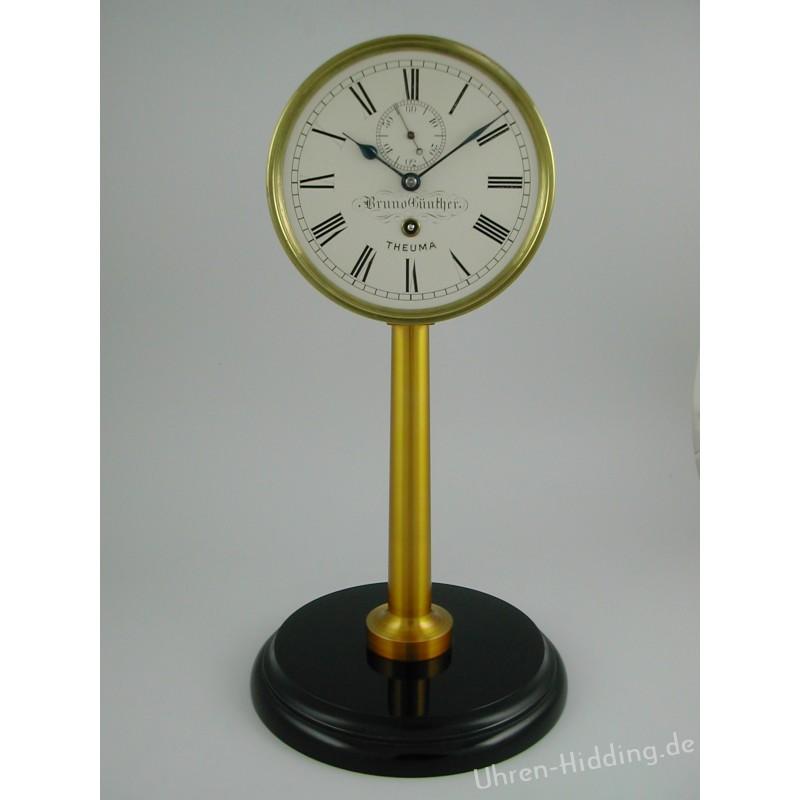 Stutzuhr der Deutschen Uhrmacherschule Glashütte